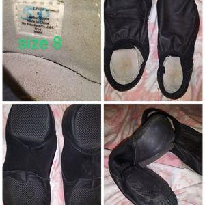 Split soles dance shoes
